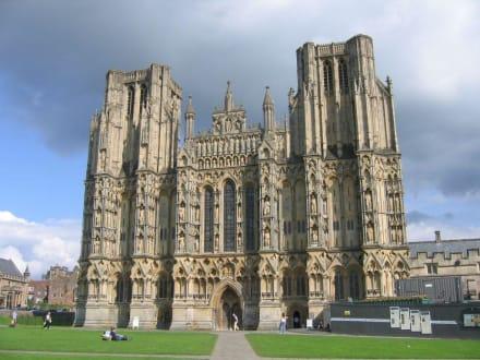 Kathedrale, die prächtige Westfassade - Wells