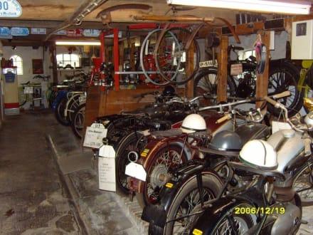 Viele Motorräder! - Oldtimermuseum Kuhstall