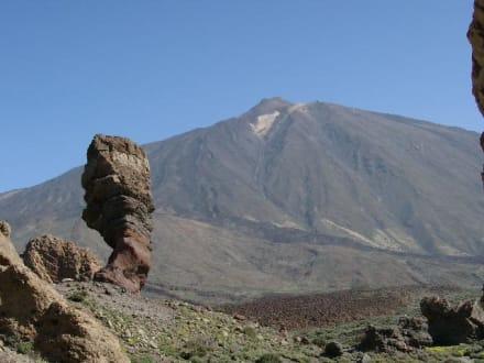Roque Chinchado und Pico del Teide - Roques de Garcia