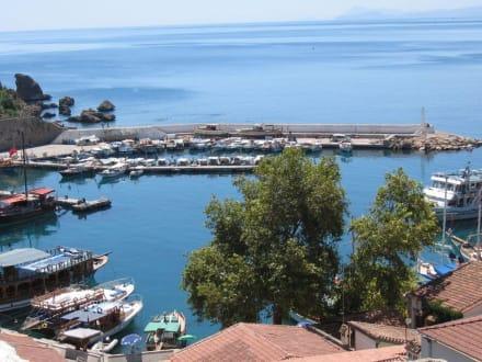 Blick auf den Hafen der Altstadt - Hafen Antalya