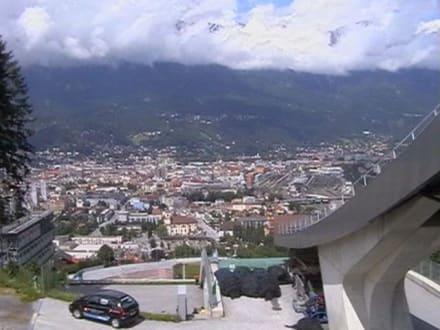 Am Schanzentisch der Berg-Isel-Schanze - Olympiaschanze Bergisel