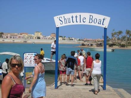 Anlegestelle der Lagunenboote - Lagunenfahrt durch El Gouna