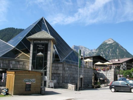Steinöl Virtalberg - Tiroler Steinöl Museum