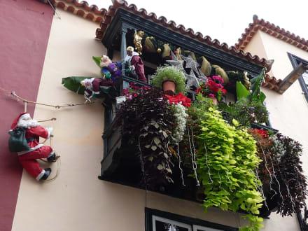 Weihnachtsdeko Für Balkongeländer.Balkon Mit Weihnachtsdeko Bild Altstadt Santa Cruz De La Palma In