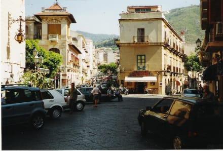 Typisch Italien - Altstadt Cefalu