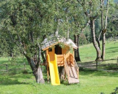 baumhaus f r die kinder bild bauernhof anderle in. Black Bedroom Furniture Sets. Home Design Ideas