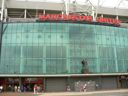 Eingang Megastore - Stadion Old Trafford / The Theatre of Dreams