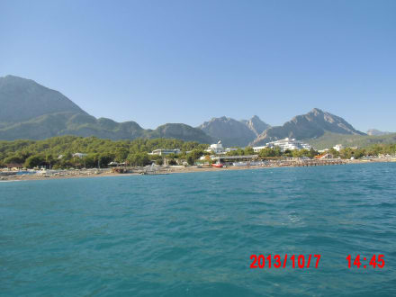 Mit Boot am Strand entlang - Bootstour Kemer
