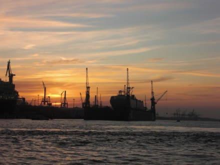 Kulisse - Hafen Hamburg