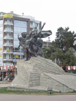 Atatürk-Monument - Atatürk-Denkmal