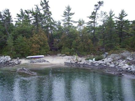 Eine der 30 000 Inseln der Georgian Bay - Georgian Bay Islands Nationalpark