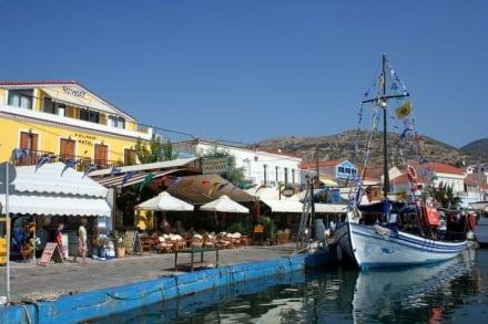 Vom Schiff aus - Hafen Pythagorion