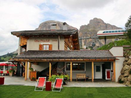 Col Pradat Hütte an der Bergstation - Hütte Col Pradat