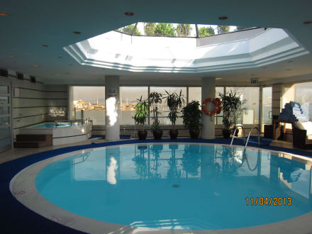 Piscine  - BEST WESTERN The President Hotel
