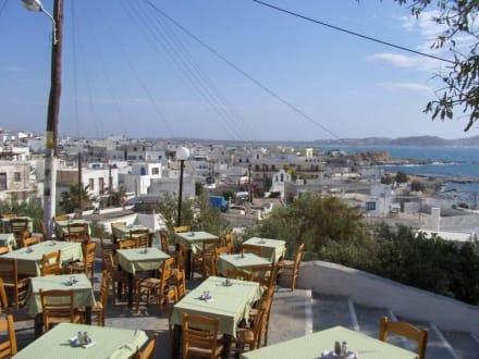 Blick von oben über Naxos Stadt - Hafen Naxos Stadt