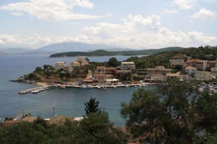 Blick auf Kassiopi - Hafen Kassiopi
