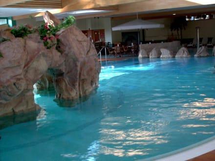 Im oberen Pool - Familotel Hotel Sonnenhügel
