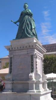 Maria Theresia Statue - Altstadt Klagenfurt
