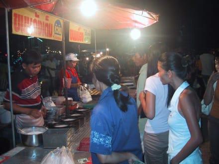 Es gibt frische Pfannkuchen. - Loy Krathong