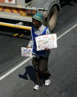 Zeitungsverkäufer - Zentrum Kapstadt