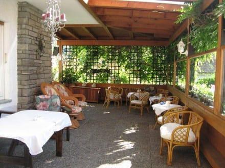 Überdachte Terrasse - Hotel Garni Malerwinkl