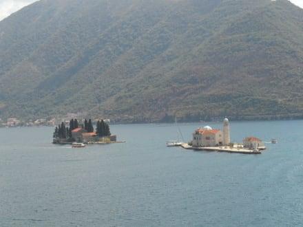 Inseln vor Perast - Hafen Perast