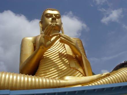 Buddha bei Dambulla - Höhlentempel Dambulla