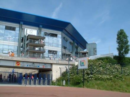 Arena Auf Schalke (jetzt Veltins-Arena) - Schalke 04 Veltins-Arena