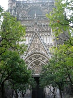 Haupteingang zur Kathedrale... - Kathedrale von Sevilla