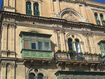 Häuserfront - Altstadt Valletta