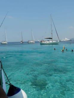 Schiffe in der Lagune - Nisida Mourtos