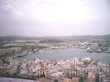 Der Hafen von Ibiza - Altstadt Dalt Vila Ibiza