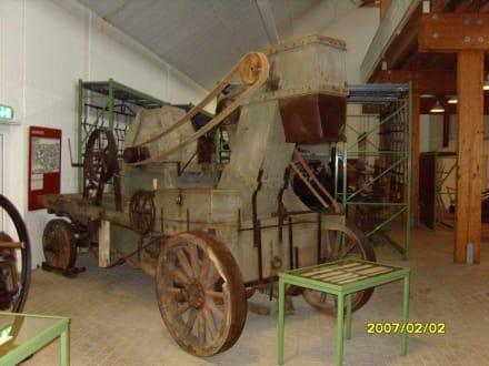 Ein Dreschkasten! - Landwirtschaftsmuseum Meldorf