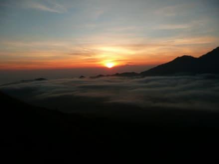So langsam kommt die Sonne raus! - Batur Vulkan