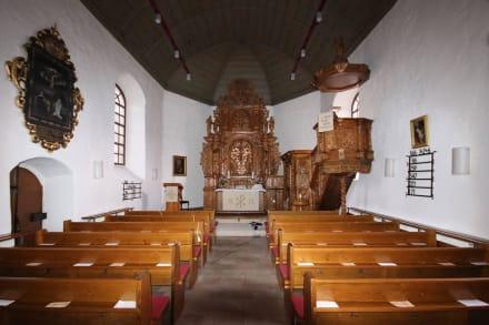 Blick in das Kirchenschiff - Kirche St. Andreas