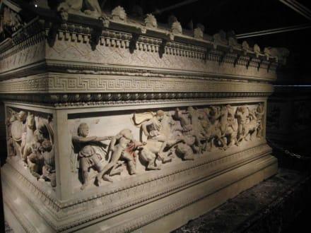 Alexander-Sarkophag - Archäologisches Museum