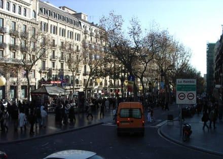 """Barcelona,  Anfang der """" La Rambla"""" - Ramblas / Rambla Straße"""