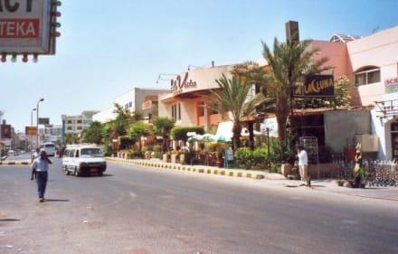 Straße Richtung  Hurghada-City - Einkaufen & Shopping