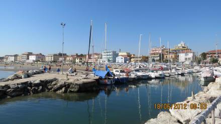 Anlegestelle - Yachthafen Rimini