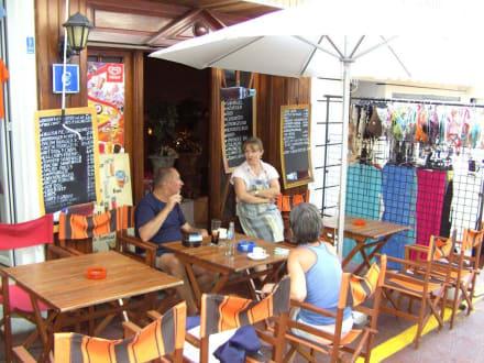 1 von vielen kleinen und großen Cafes - Westend