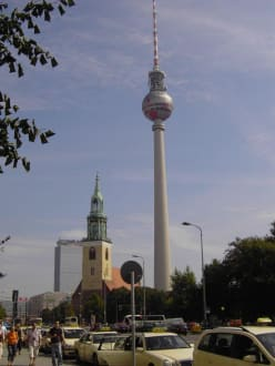 Berlin TV Tower - Berliner Fernsehturm