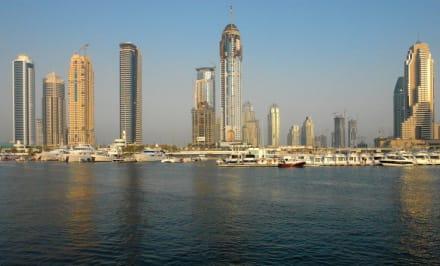 Jumeirah Beach - Yacht Messe im Dubai Marina