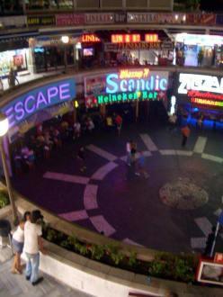 Market/Bazaar/Shopping center  - Plaza Shopping Center