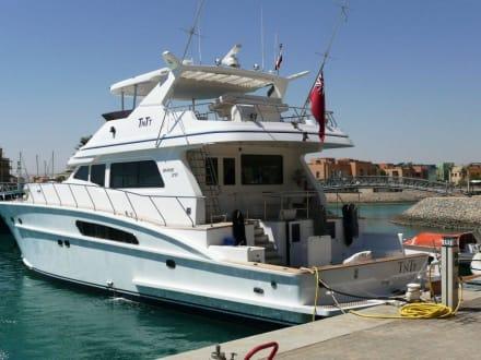 Luxusyacht - Hafen Abu Tig Marina