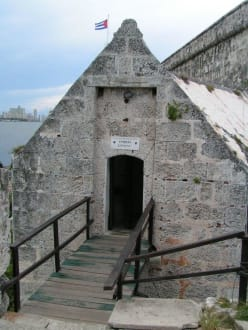 Eingang zum Castillo - Castillo de los tres Reyes del Morro