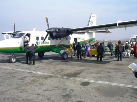 Weiterflug nach Pokhara - Anreise