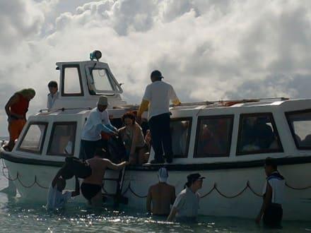 Ausschiffen auf Mesali - Insel Mesali