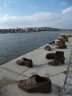 Bilder Holocaustmahnmal Schuhe Am Donauufer Schuhe Am Donauufer