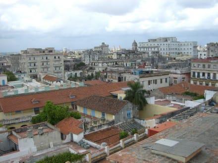 Blick über Havanna - Hotel Ambos Mundos & Hemingways Zimmer