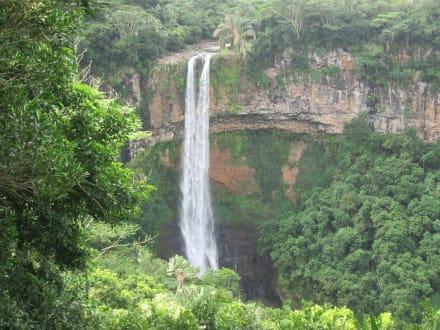 Ausflug zum  Wasserfall  - Chamarel-Wasserfall